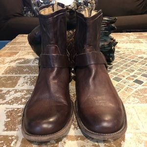Frye pre-owned size 10 D